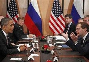 Обама и Медведев провели переговоры при закрытых дверях