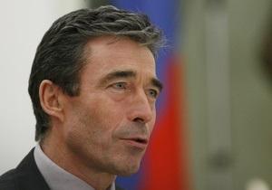 Расмуссен констатировал улучшение отношений между НАТО и Россией