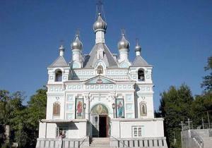 Двое готов разгромили православное кладбище в центре Ташкента