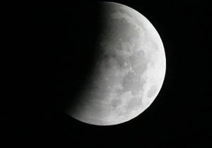 Эксперт:  В случае если удастся установить связь с Фобос-Грунт, его могут отправить на Луну
