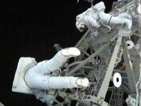 Астронавты Discovery в третий раз вышли в космос