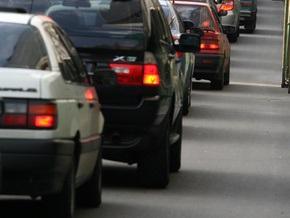 В Киеве ограничили движение транспорта по девяти улицам и Южному мосту