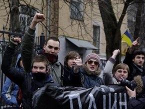 В Киеве прошла акция солидарности с рабочими ХМЗ