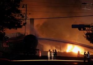 Взрыв поезда с нефтепродуктами в Канаде - видео