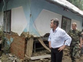 Ющенко останется на западе страны еще на день