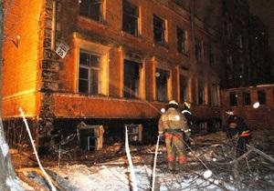 В Шевченковском районе Киева горело отселенное здание
