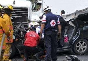В Боливии произошло крупное ДТП: один человек погиб и 35 получили ранения