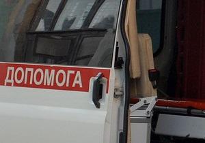 В Ровенской области автомобиль врезался в дерево, два человека погибли