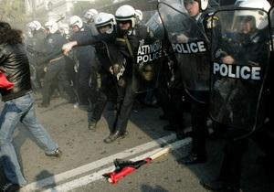 У парламента Греции продолжается акция протеста. Полиция разогнала анархистов