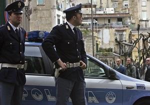 Итальянский политик, проколов шины на авто инвалида, попал на записи камер