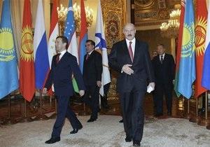 Лукашенко обвинил Россию в развязывании информационной войны против Беларуси