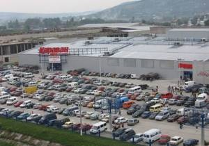 В Черновцах сообщили о заминировании супермаркетов Метро и Караван