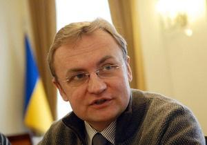 Мэр Львова: Непризнание УПА и решение о красных флагах повлекло события 9 мая