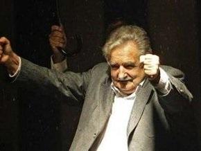 Exit polls: На выборах в Уругвае лидирует бывший партизан