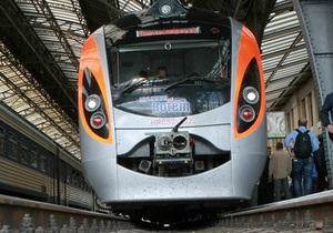 Укрзалізниця уволила сотрудников, которые позволили украинскому поезду обойти Hyundai - СМИ