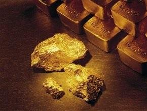 Рынок сырья: Падение на бирже вызвало скачок цен на золото