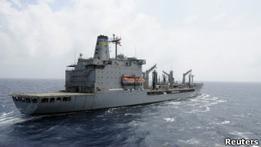 Военный корабль США открыл огонь по судну у берегов ОАЭ