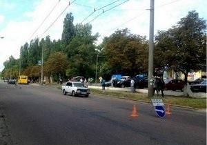 В Чернигове на пешеходном переходе насмерть сбили пенсионерку, еще одна пострадавшая госпитализирована