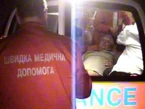 Чтоб справиться с пациентом весом в 150 кг, киевские медики вызвали подмогу