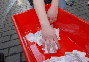 Опрос: Более четверти украинцев считают, что введение вступительных экзаменов грозит ростом коррупции