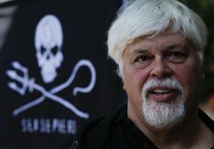 Эколог, захвативший судно в Коста-Рике, объявлен в международный розыск