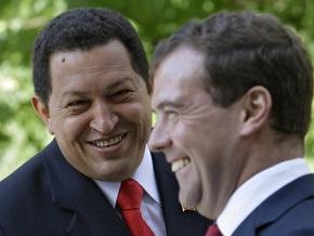 Чавес намерен наращивать оборонительный потенциал. Медведев обещает помочь танками