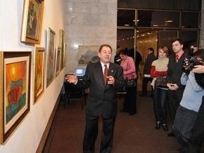 В Киеве открылась выставка картин, подаренных Украине канадским меценатом