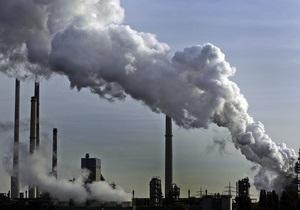 Азаров связал ухудшение экологической ситуации в Украине с газовыми контрактами 2009 года