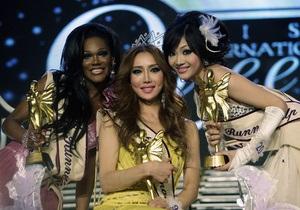 Фотогалерея: Король-королева. В Таиланде состоялся конкурс красоты среди трансcексуалов и трансгендеров