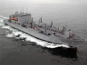 Сомалийские пираты попытались захватить корабль ВМС США