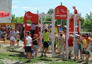 Благотворительный  Фонд братьев Кличко  и Компания Кока-Кола открыли летний сезон проекта  Клич друзів - граймо разом!