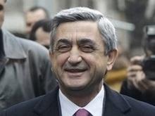 Премьер-министр лидирует на президентских выборах в Армении
