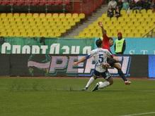 Российская Премьер-лига: Динамо не оставляет шансов Локомотиву