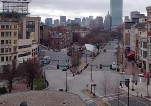 Полиция восстановила в опустевшем Бостоне движение такси