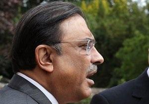 В президента Пакистана метнули ботинками