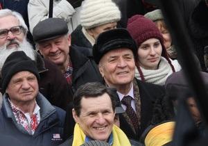 Масленица 2013 - Тимошенко - Сторонники Тимошенко пришли поздравить ее с Масленицей