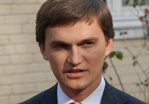 Ъ: Решение вопроса о ликвидации военных прокуратур оставили Януковичу