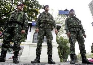 В Таиланде тысячи демонстрантов требуют проведения новых выборов