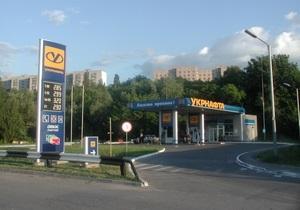 В августе украинцы купили на заправках значительно меньше бензина, чем в конце прошлого лета