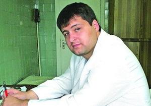 Киевский врач, который вывез на мороз пациентов, объявил голодовку