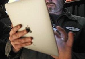 Apple запретила рекламу, в которой планшетом iPad убивают муху