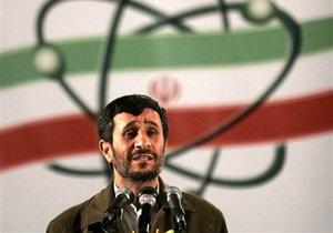 Ахмадинеджад заявил, что никто не убедит его страну отказаться от обогащения урана