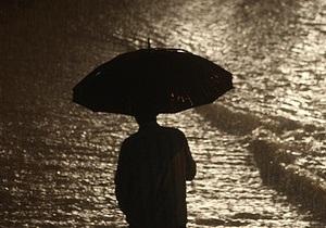 Сильные дожди и ветер обесточили населенные пункты в Киевской и Житомирской областях