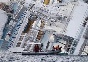 Капитан Коста Конкордии под судом, корабль - на мели