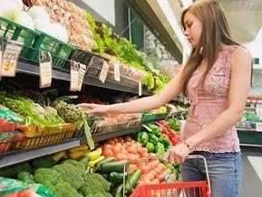Розничный товарооборот в Украине снизился на 14%