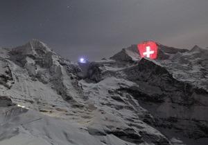 Фотогалерея: Видишь, там на горе. Швейцарские Альпы украсила гигантская световая инсталляция