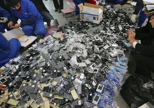 В Китае разработали первый в мире чип с поддержкой четырех SIM-карт