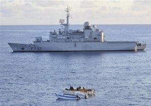 Активность пиратов у побережья Сомали возрастает - доклад