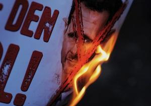 Сирийская оппозиция намерена осуществить переход власти под контролем военных