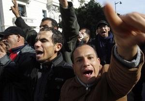 СМИ Туниса протестуют против вмешательства государства в их работу